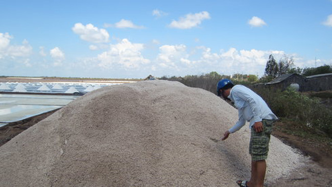 Kiến nghị mua tạm trữ muối