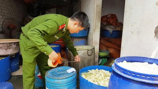 Kinh hãi tẩy măng tươi bằng hóa chất cấm sử dụng