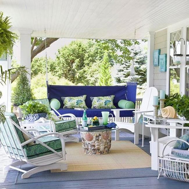 Hiên nhà đẹp rạng rỡ cho ngày hè nắng gắt