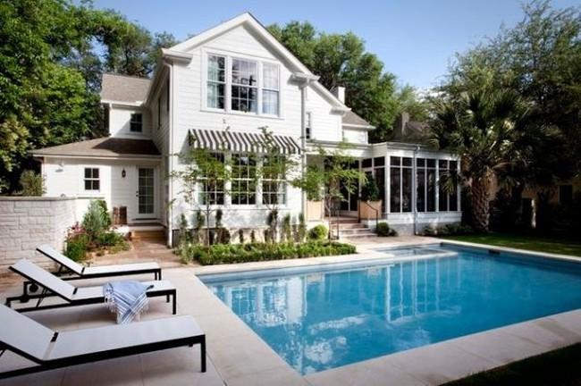 Hồ bơi trong nhà phải tuyệt đối tránh hình chữ nhật
