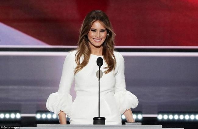 Vợ Donald Trump - Cô gái nhập cư bước chân vào ngưỡng cửa Nhà Trắng