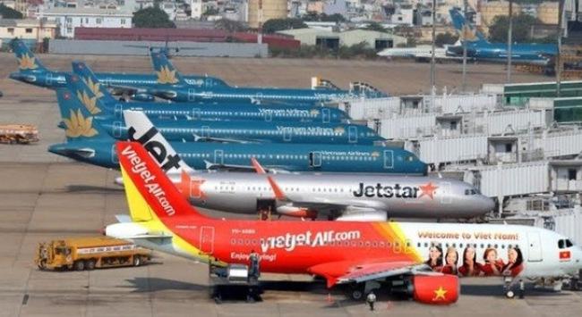 """Vietjet Air, Vietnam Airlines đã """"giảm giá vé cho dân được nhờ"""" chưa?"""