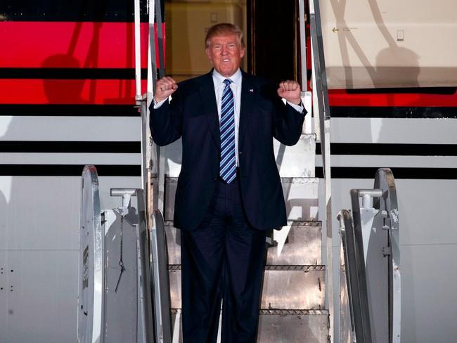 """Donald Trump: """"Hãy hủy cuộc bầu cử và trao chiến thắng cho tôi"""""""