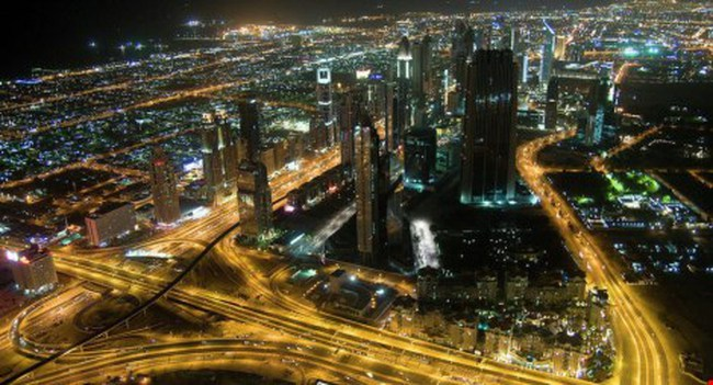 Xăng dầu Ả Rập còn rẻ hơn cả nước uống