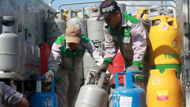 Giá gas tăng 10.000 đồng/bình
