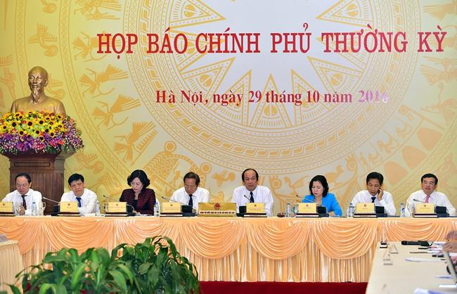 Phó thống đốc: NHNN sẽ cân nhắc kỹ trước khi lựa chọn biện pháp xử lý nợ xấu