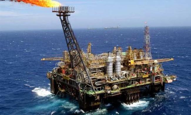 """Nga và Ảrập Xêút chốt thời điểm ký thỏa thuận """"đóng băng"""" sản lượng dầu mỏ"""