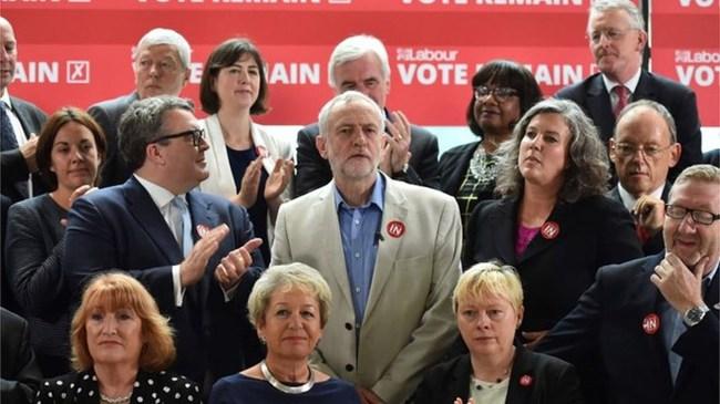 Hậu Brexit: Các quan chức Anh đồng loạt từ chức