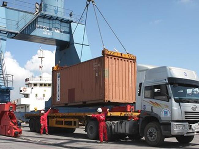 35.000 tấn lốp cũ tồn ở cảng biển sẽ được bán cho các công ty