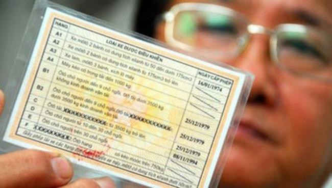 Ngày 31/12/2016, hạn cuối đổi giấy phép lái xe ô tô sang thẻ PET