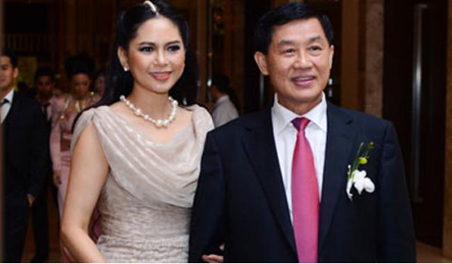 Vua hàng hiệu Jonathan Hạnh Nguyễn và bà Lê Hồng Thủy Tiên vào top nhân vật có ảnh hưởng nhất thời trang thế giới
