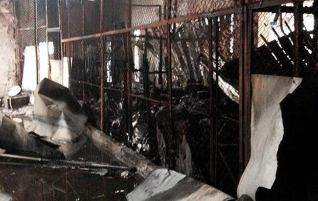 Cháy chợ Phú Yên lúc nửa đêm, tiểu thương không kịp trở tay
