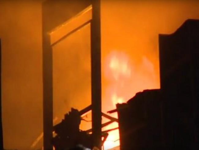 Cận cảnh siêu thị bốc cháy ở Quảng Trị, gây thiệt hại hàng chục tỷ đồng