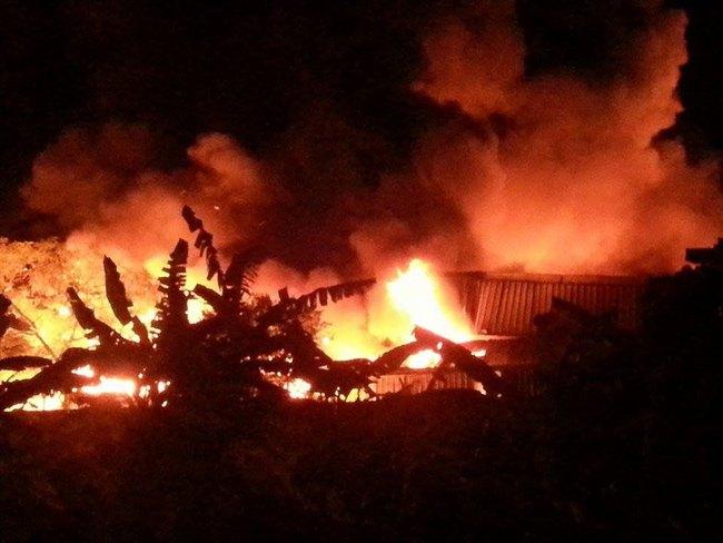 Cháy kinh hoàng xưởng nến tại cụm công nghiệp Dương Kinh