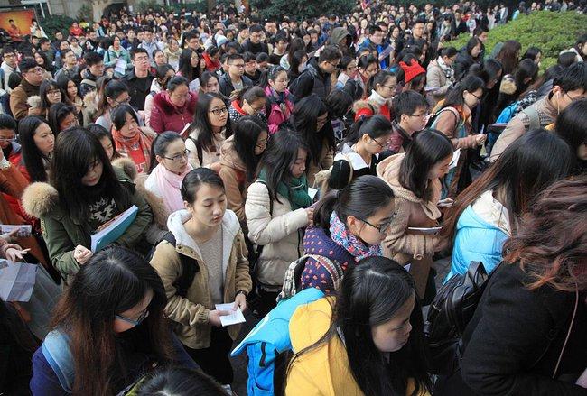 Trung Quốc thi tuyển công chức: 8.000 người nộp hồ sơ xin vào 1 vị trí