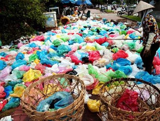 Tiêu thụ khủng hàng chục tấn túi nylon mỗi ngày