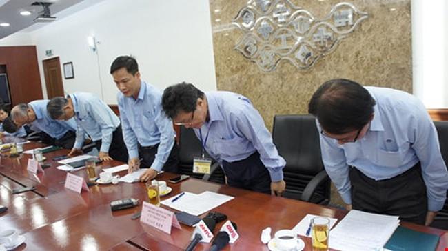 Họp báo của Formosa: Lãnh đạo công ty cúi đầu xin lỗi, từ chối trả lời nhiều câu hỏi