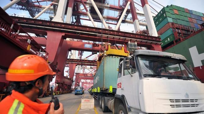 Xuất khẩu của Trung Quốc giảm mạnh trong tháng 1