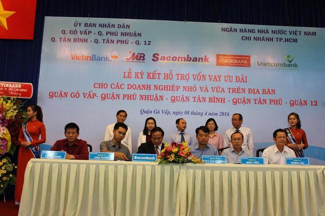 Tp.HCM: 5 ngân hàng cho các doanh nghiệp vay ưu đãi gần 2.300 tỷ đồng