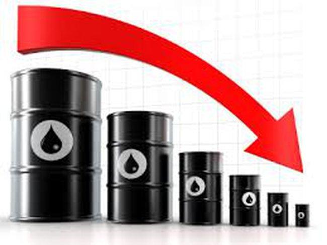 Giảm sâu, giá dầu xuống thấp nhất 3 tháng