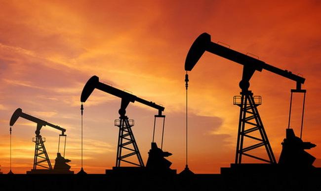Nguồn cung tăng mạnh, giá dầu giảm sâu