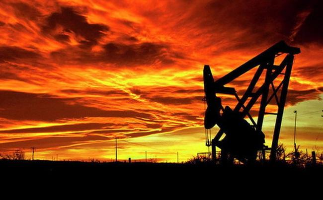 Giá dầu tăng mạnh, vượt 40 USD/thùng