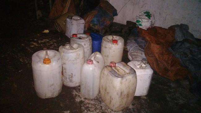 Hải Phòng: Phát hiện cơ sở tái chế gần 6000 lít dầu ăn bẩn