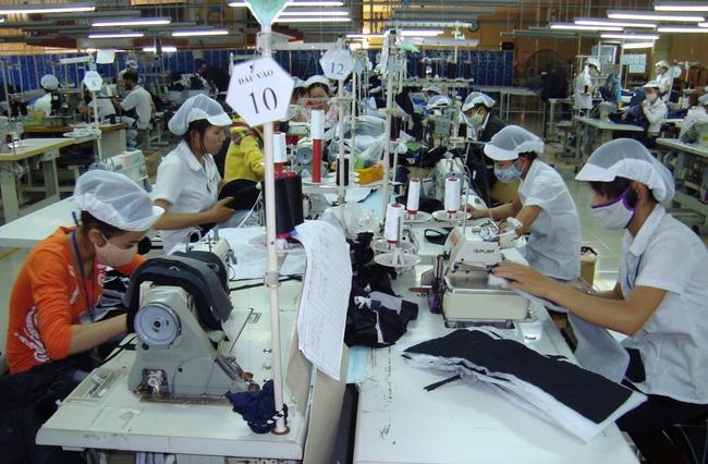 Lương trung bình ngành vượt Indonesia, dệt may Việt Nam sẽ khó thu hút đầu tư?