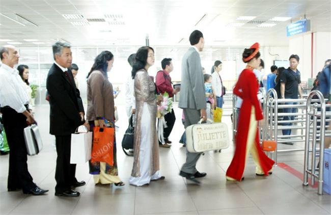 Mỗi năm, gần 100 nghìn người Việt di cư ra nước ngoài