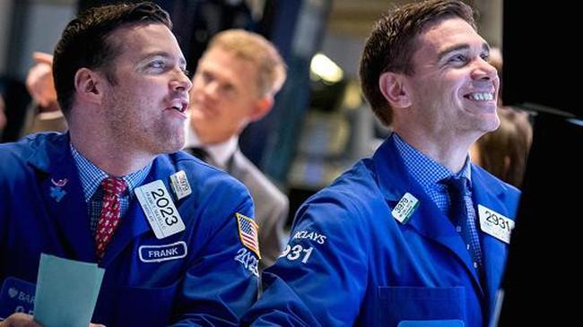 """Khối ngoại tiếp tục """"gom hàng"""" trong ngày thị trường giảm sâu"""
