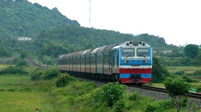 Lập tổ công tác xem xét thủ tục đầu tư 160 toa xe lửa đã qua sử dụng