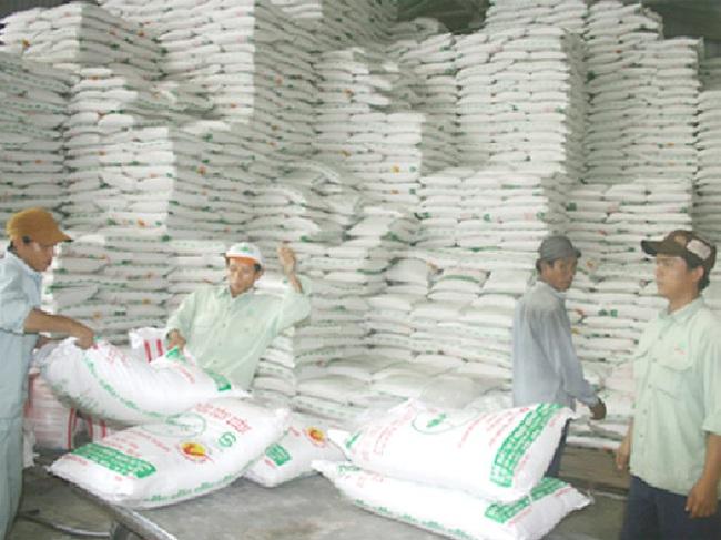 Mỗi năm nửa triệu tấn đường Thái nhập lậu vào Việt Nam