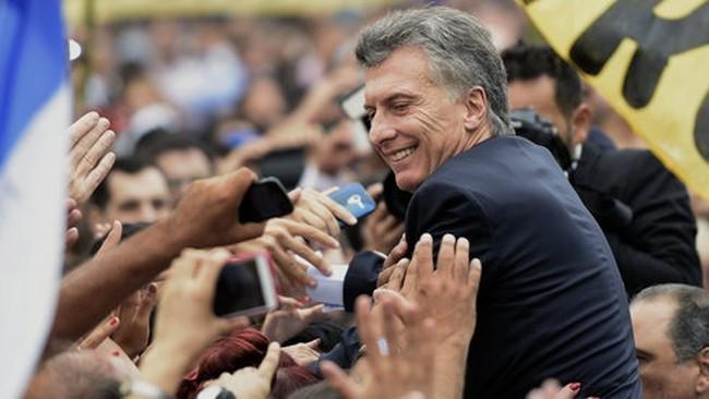 """Argentina phải thua """"quỹ kền kền"""""""