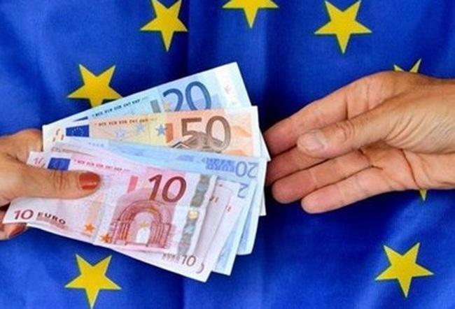 ECB quyết định giữ nguyên mức các mức lãi suất chủ chốt