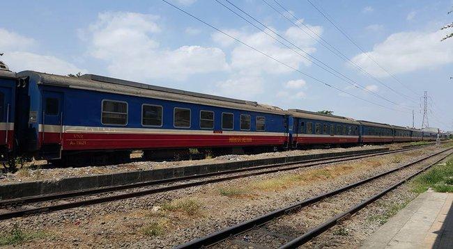 Bất nhất kế hoạch giải quyết vé cho hành khách đi tàu hỏa bị kẹt do sập cầu Ghềnh