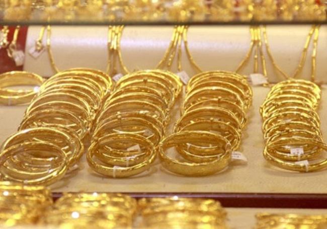 Giá vàng dập dềnh quanh mốc 37 triệu đồng/lượng