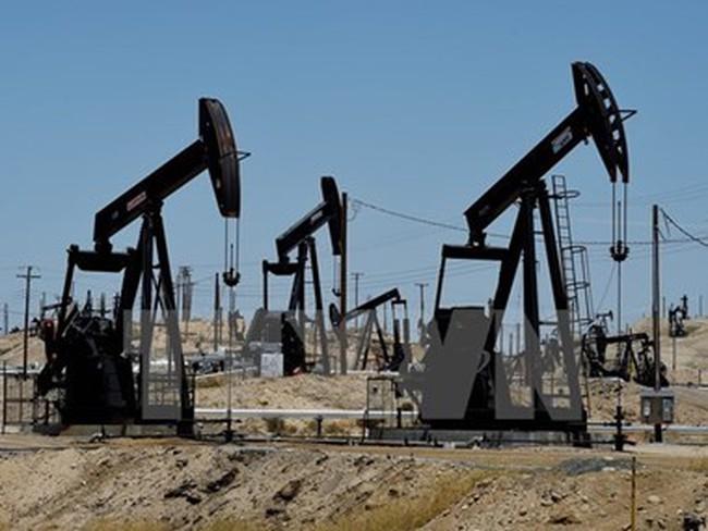 Giá dầu giảm trước lo ngại OPEC có thể đóng băng sản lượng