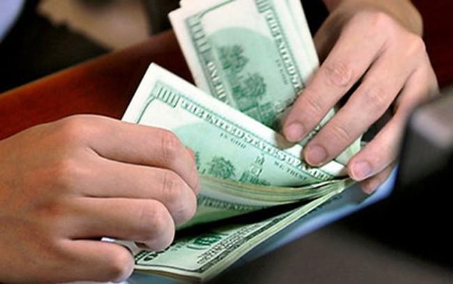 Giá USD ngân hàng tiếp tục lún sâu