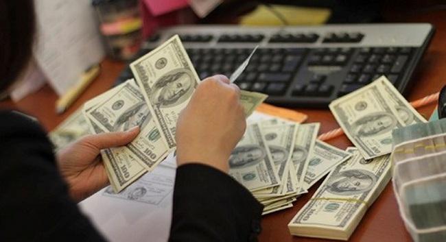 Tỷ giá trung tâm ngày 4/3 sụt giảm mạnh 15 đồng