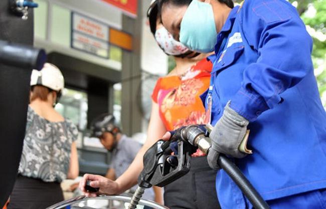 Xăng dầu không chịu ngồi yên, kéo CPI tháng 4 tăng nhẹ