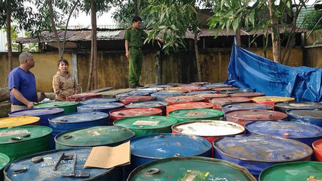 Phá vụ rút ruột hàng nghìn lít xăng dầu của doanh nghiệp
