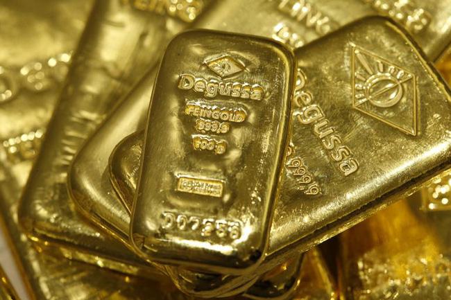 Các quỹ ETF thi nhau mua vàng, số lượng nắm giữ vượt 2.000 tấn