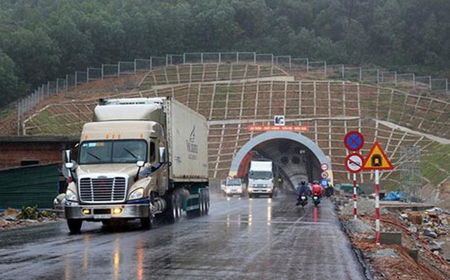 Bộ Giao thông lý giải vụ trạm thu phí cách hầm 6 km