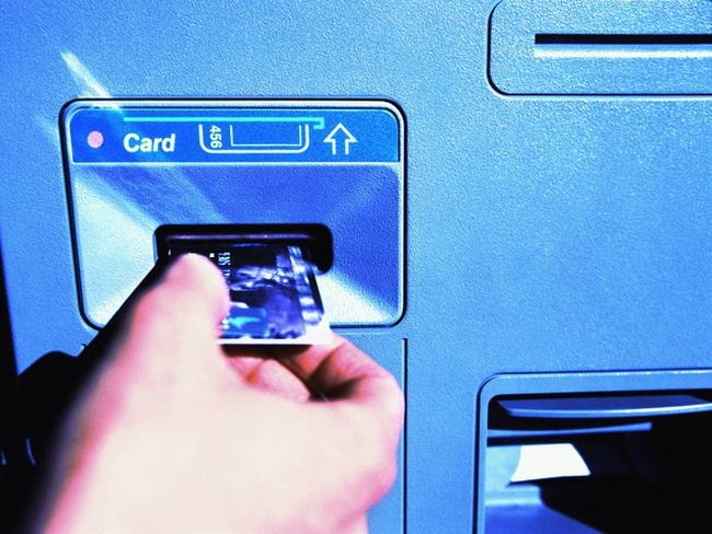 Cẩn thận trước thủ thuật ăn cắp thẻ ATM vô cùng tinh vi và nguy hiểm này
