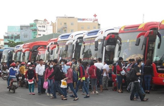 TPHCM: Giá vé xe khách tăng từ 30 – 40% dịp 30.4 và 1.5