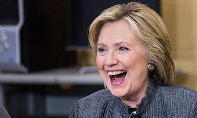 Cựu Tổng thống Bush tuyên bố bỏ phiếu cho bà Clinton