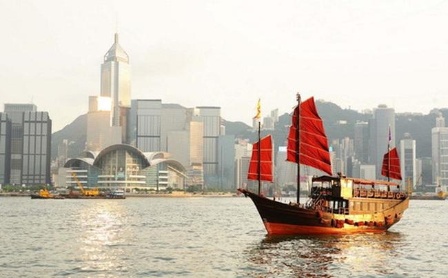 """Bán lẻ Hồng Kông """"gặp hạn"""" vì khách Trung Quốc sụt giảm"""