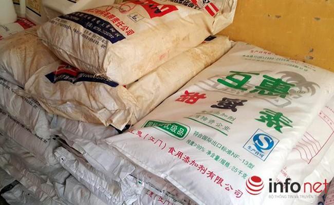 Phát hiện hơn 4 tấn phụ gia thực phẩm Trung Quốc làm bim bim