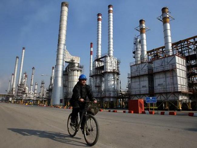 """Iran được đặc cách về thỏa thuận """"đóng băng"""" sản lượng dầu mỏ"""