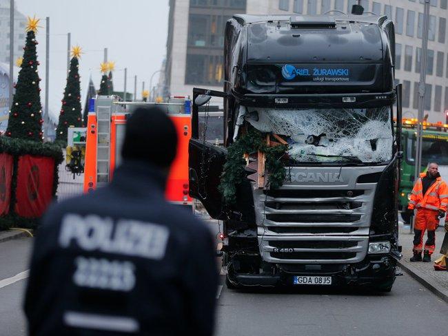 IS nhận trách nhiệm vụ xe điên lao vào chợ Giáng sinh ở Đức